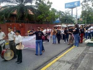 Con una marcha educativa conmeoraron el día Mundial del Sida