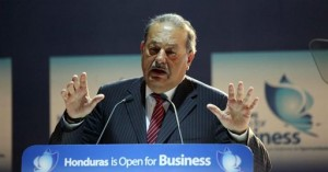 Carlos Slim fue uno de los oradores el día de inauguración