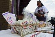 El gobierno está repartiendo condones femeninos para combatir el Sida