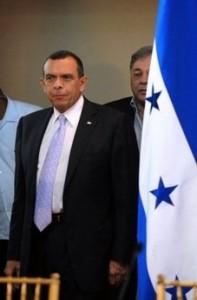 Los hondureños empiezan a decepcionarse de Pepe Lobo