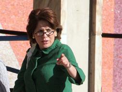 Vivian Panting, fue destituida del Consulado en Los Angeles
