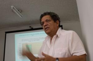 Dr Juan Almendares